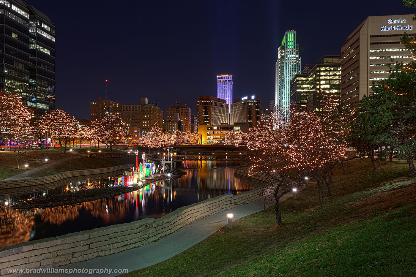 Omaha, Nebraska, Skyline, Gene Leahy Mall., photo
