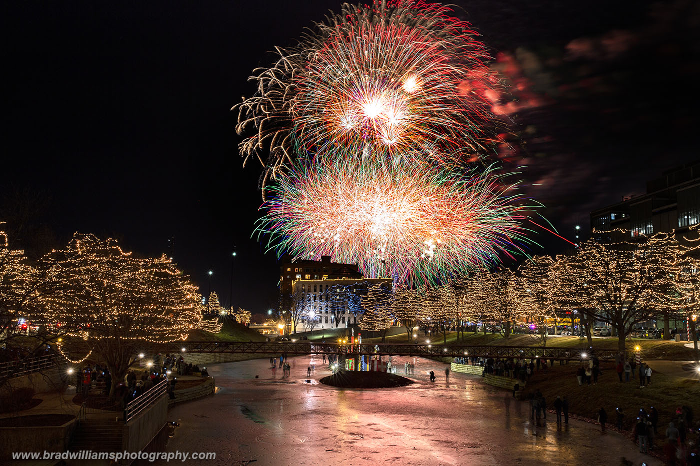 2018, New Year's Eve, Fireworks, Gene Leahy Mall, Omaha, Nebraska, photo