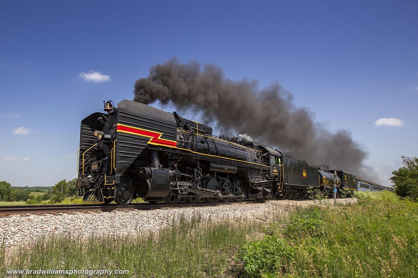IAIS 6988 running through the Iowa countryside.